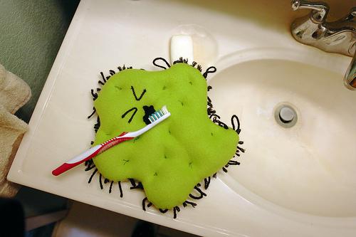 【ポケットドルツキッズ(EW-DS32)】子どもの仕上げ磨きがラクラクに!パナソニックの子供用歯ブラシを買った!