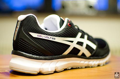 ランニングシューズを常に同じ締め具合に固定できる!ほどけない靴ひもキャタピランが革命的!