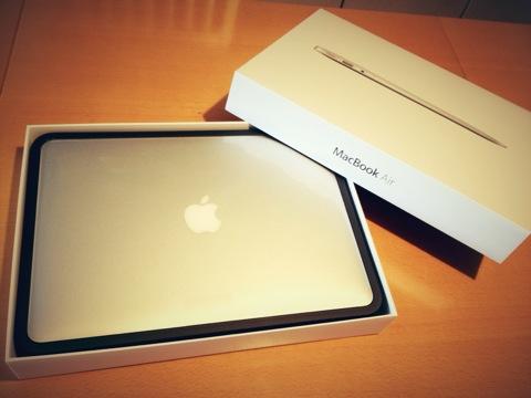 Mac Book Air13インチメモリ増設モデルが我が家にやって来た!