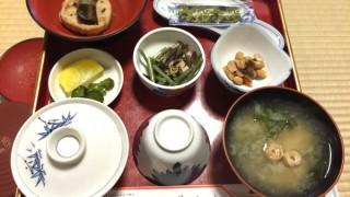 「食べる瞑想」で、いまこの瞬間に集中すると、感謝としあわせが訪れる