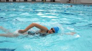 引き続き息継ぎ特訓中。プールで立って練習してきた