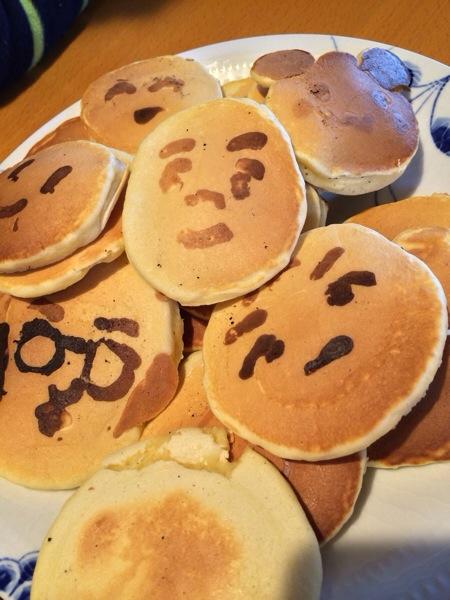 簡単レシピで子ども大喜び!キャラ顔ホットケーキの作り方!
