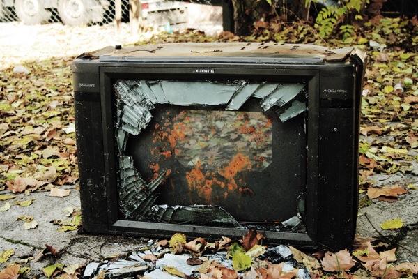 テレビは粗大ゴミに出せない!じゃあどうやって捨てればいいの?