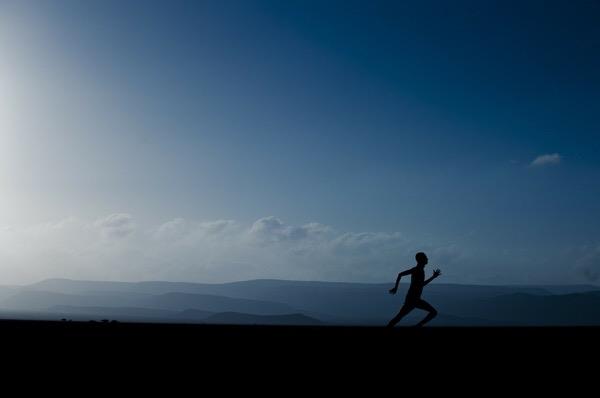 1回のランニングで何kmまでなら後のダメージなく走れるか?